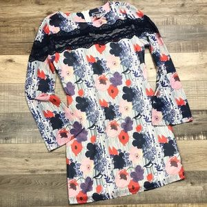 CHELSEA28 | Retro Floral Bell Sleeve Mini Dress XS